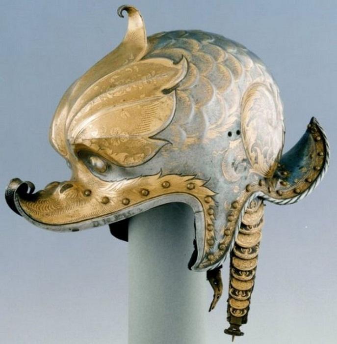 Парадный шлем императора Карла V.